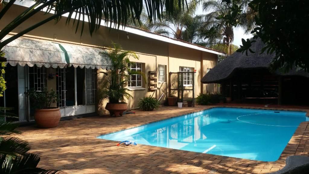5 BedroomHouse For Sale In Bo Dorp
