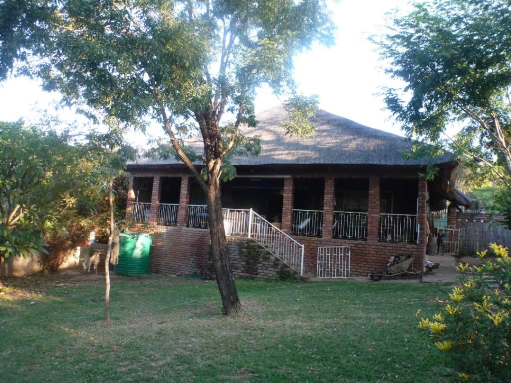 2 BedroomHouse For Sale In Hazyview