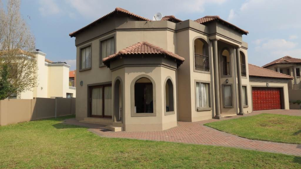 Property for Sale by Susan van Schalkwyk, WILLOW ACRES ESTATE, House 4 bedrooms property for sale Price:2,400,000