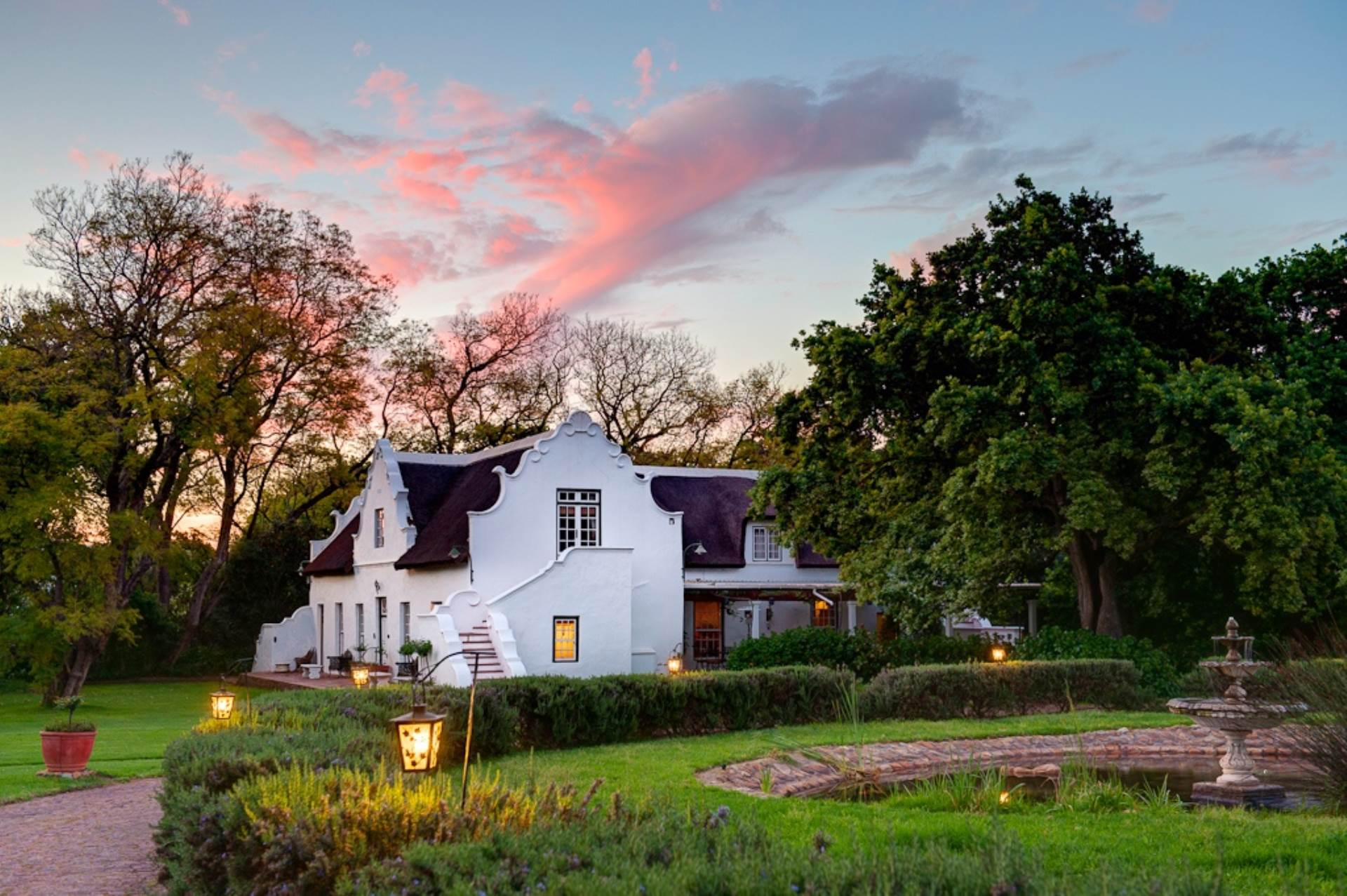 Property and Houses for sale in Paarl, Guest House, 18 Bedrooms - ZAR 38,000,000