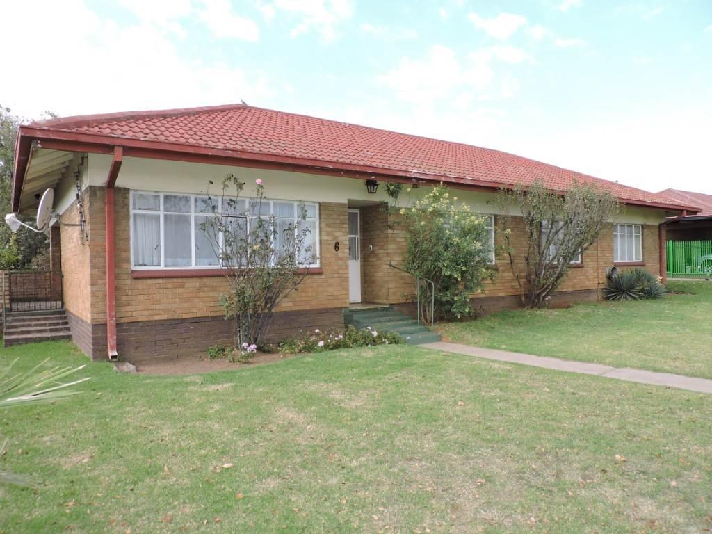4 BedroomHouse Pending Sale In Komati