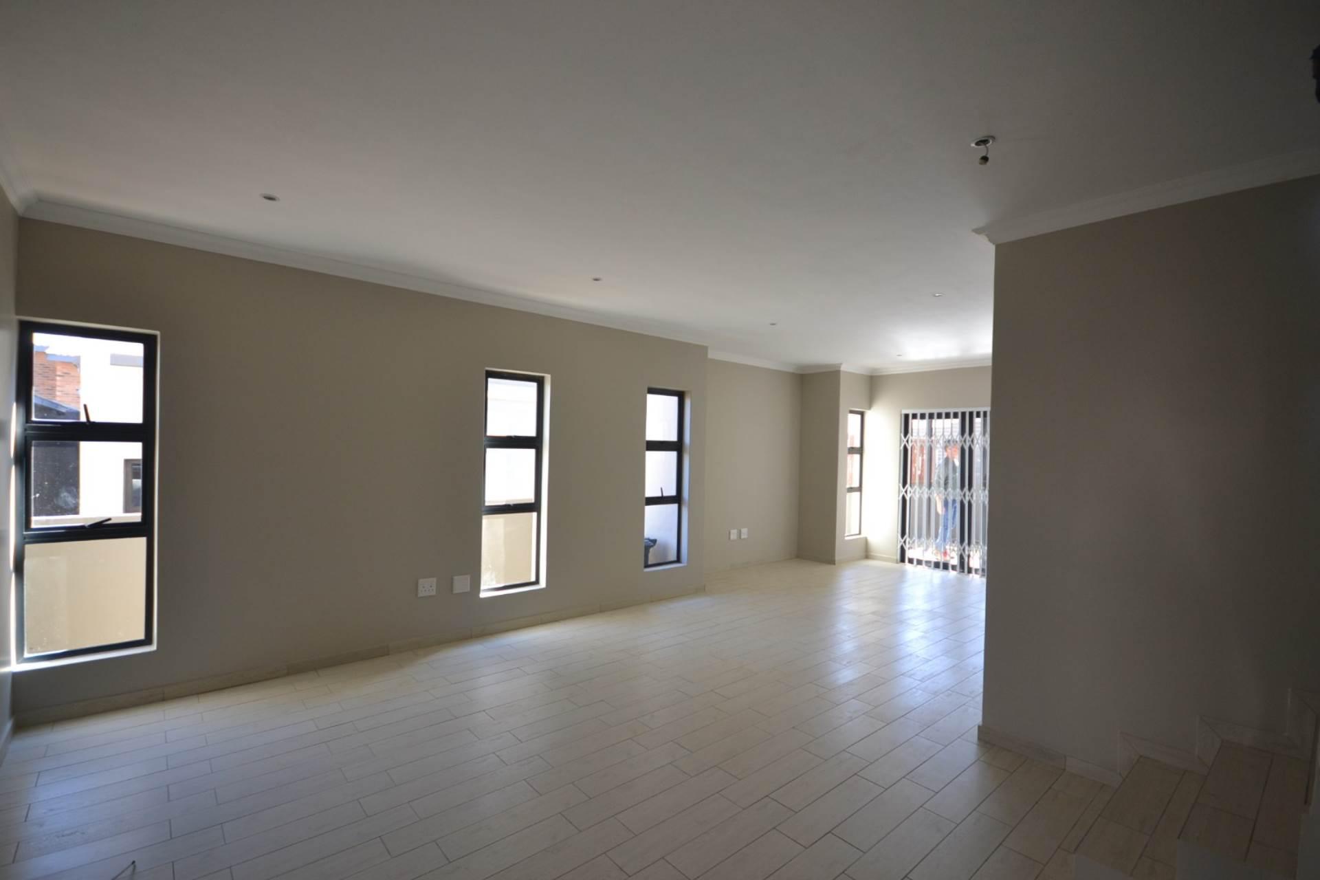 Faerie Glen property for sale. Ref No: 13587738. Picture no 13