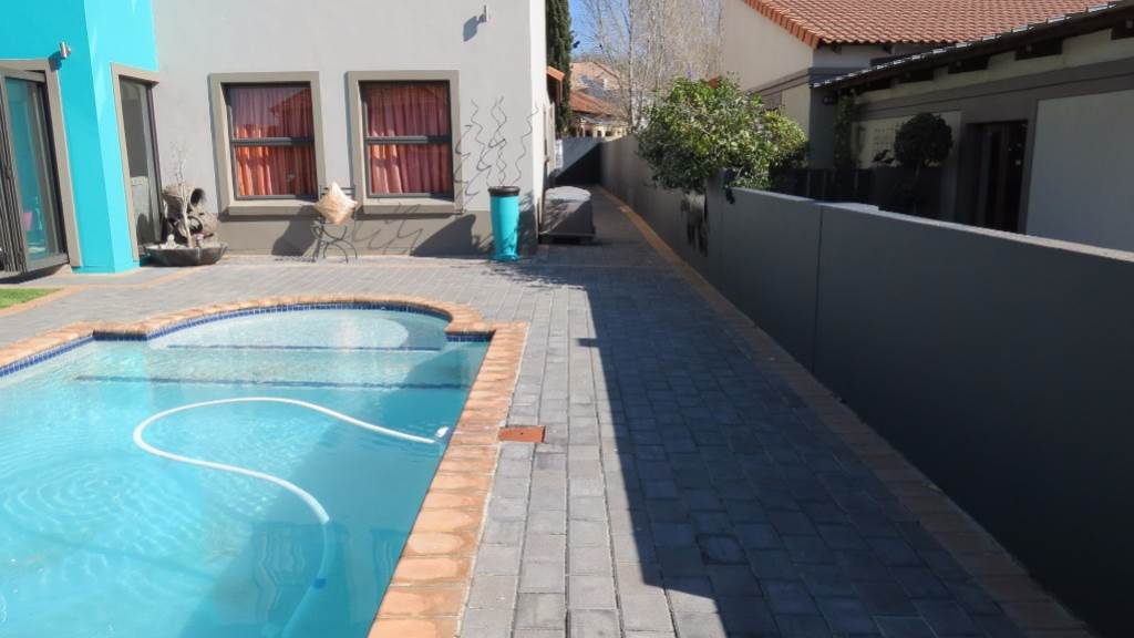Willow Acres Estate property for sale. Ref No: 13534553. Picture no 50