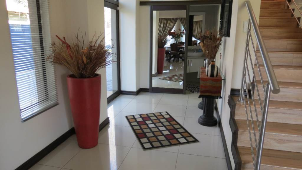 Willow Acres Estate property for sale. Ref No: 13534553. Picture no 55