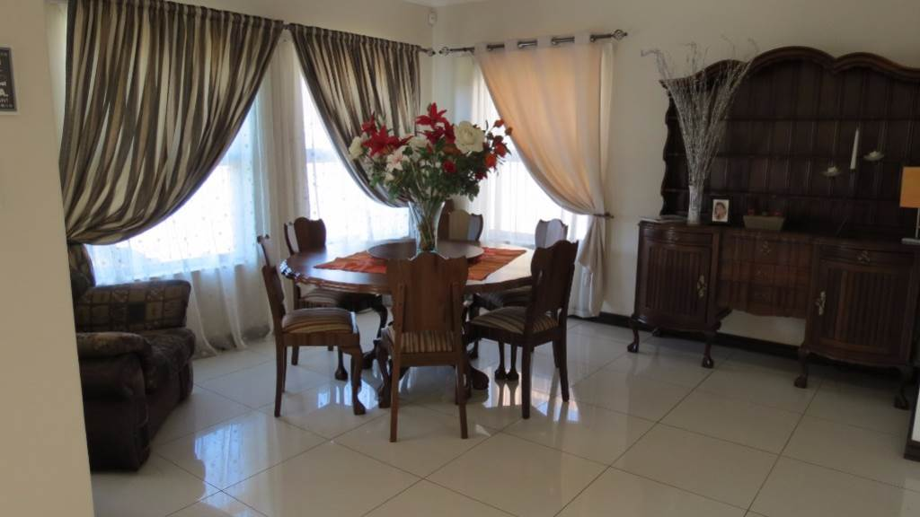 Willow Acres Estate property for sale. Ref No: 13534553. Picture no 54