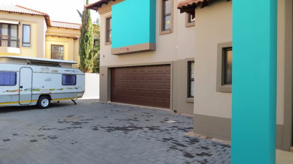 Willow Acres Estate property for sale. Ref No: 13534553. Picture no 45