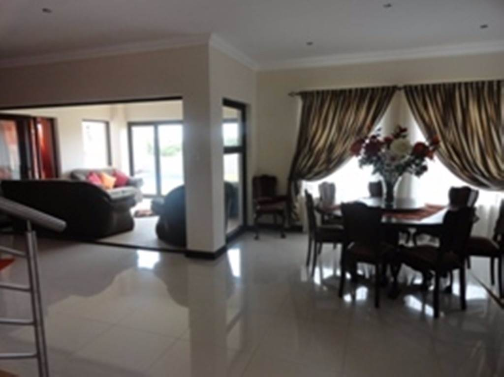 Willow Acres Estate property for sale. Ref No: 13534553. Picture no 3