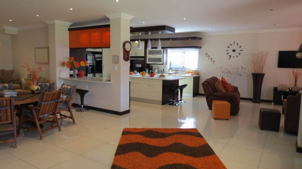 Willow Acres Estate property for sale. Ref No: 13534553. Picture no 88
