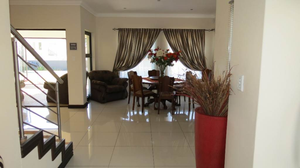 Willow Acres Estate property for sale. Ref No: 13534553. Picture no 57