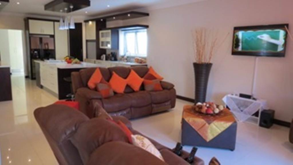 Willow Acres Estate property for sale. Ref No: 13534553. Picture no 26