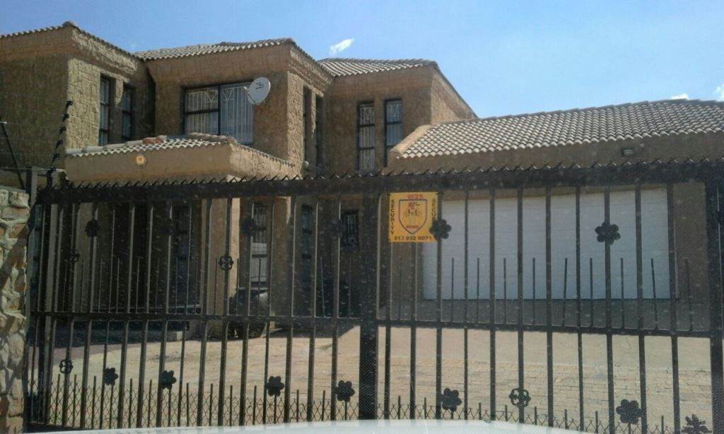 7 BedroomHouse To Rent In Cultura Park