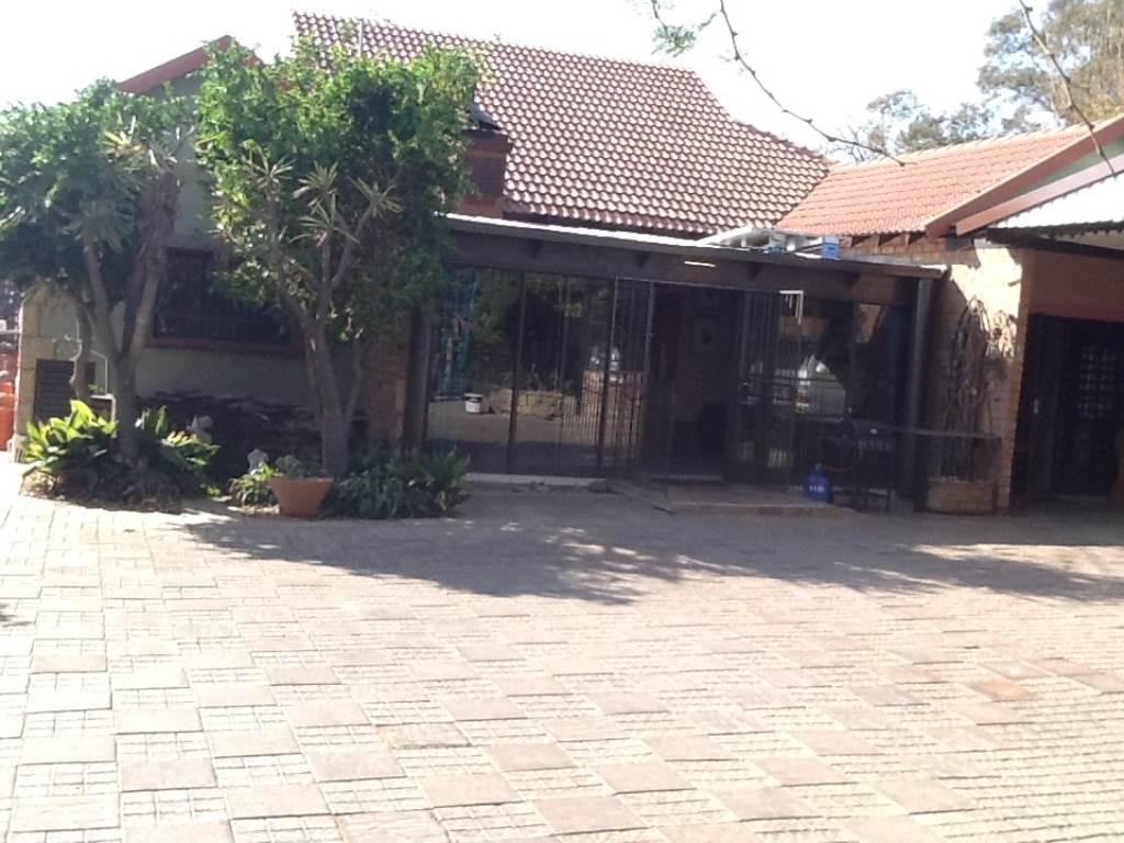 3 BedroomHouse For Sale In Ladanna