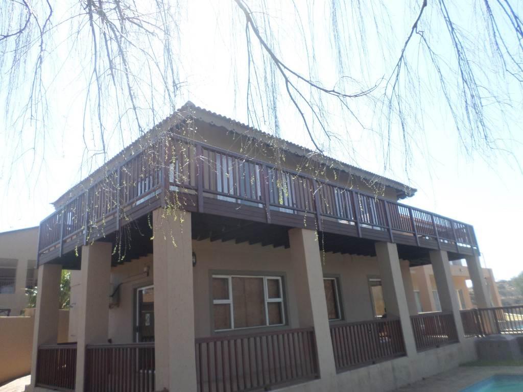 4 BedroomHouse For Sale In Vaaloewer