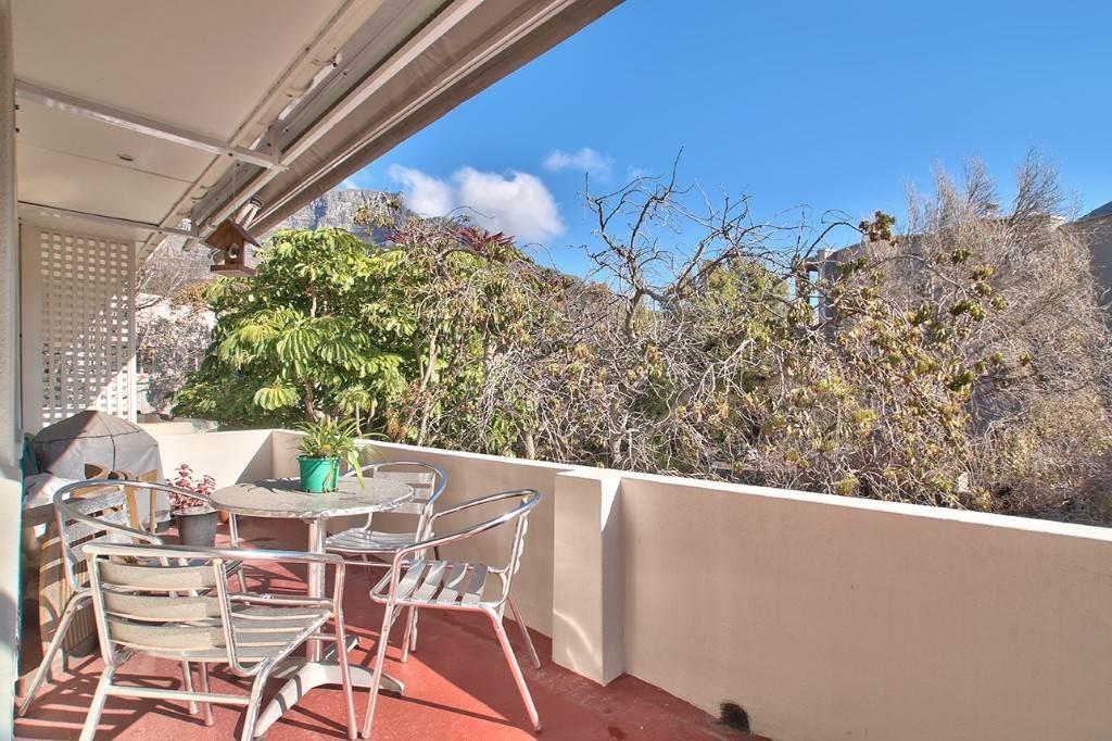 Oranjezicht property to rent. Ref No: 13586772. Picture no 7
