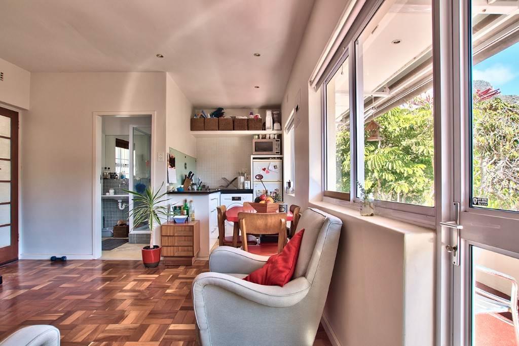Oranjezicht property to rent. Ref No: 13586772. Picture no 3