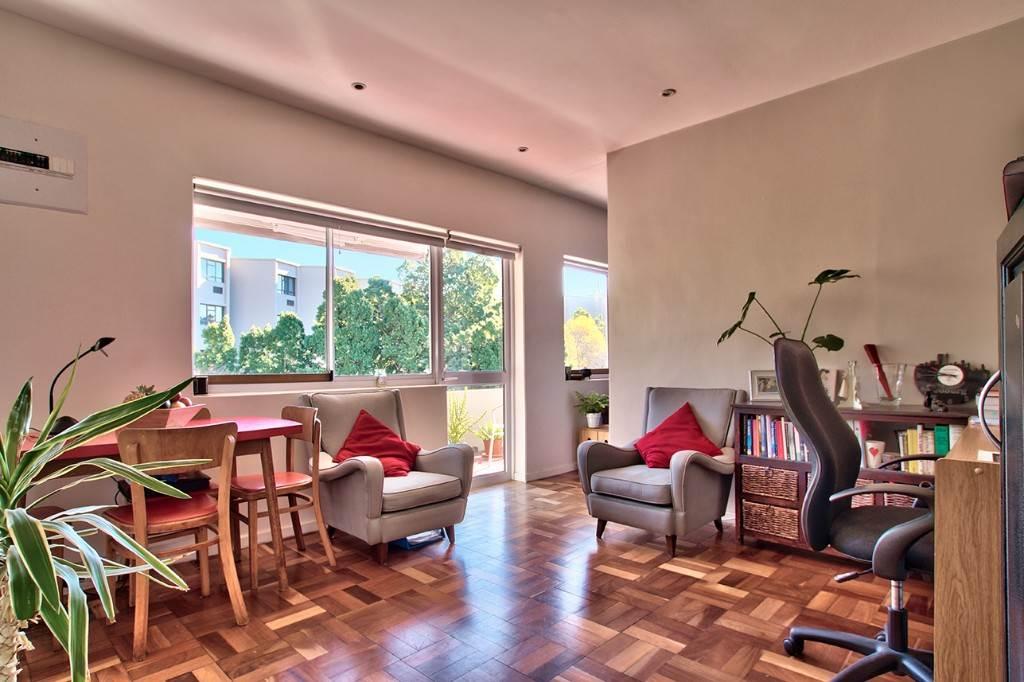 Oranjezicht property to rent. Ref No: 13586772. Picture no 4