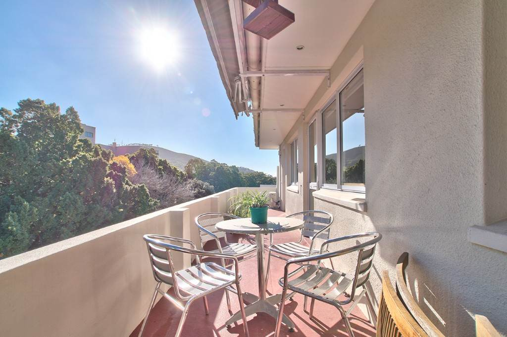 Oranjezicht property to rent. Ref No: 13586772. Picture no 1