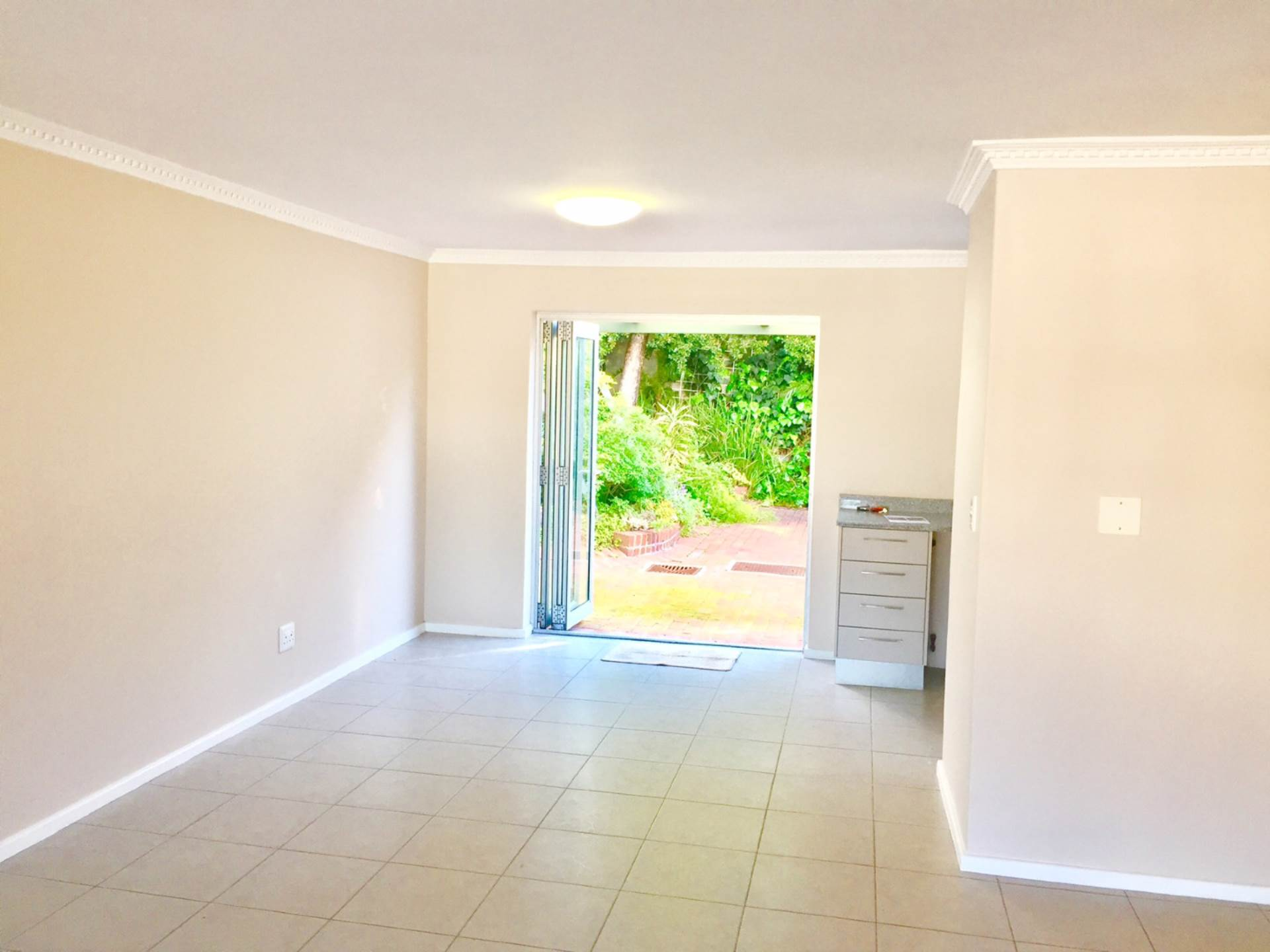 Higgovale property for sale. Ref No: 13475281. Picture no 6