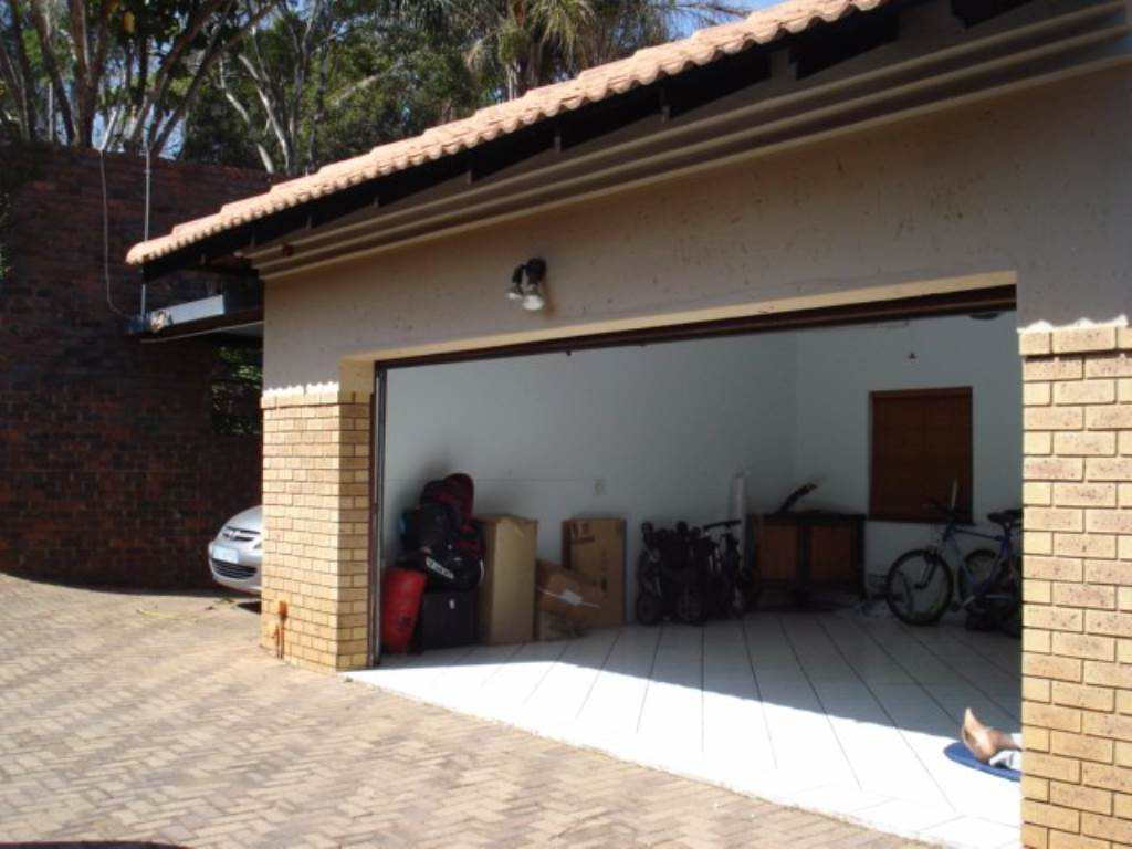 Waterkloof Ridge Ext 1 property for sale. Ref No: 13534353. Picture no 24