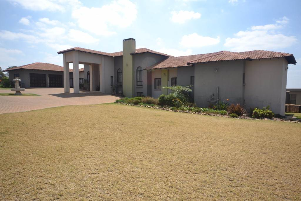 Mooikloof property for sale. Ref No: 13543784. Picture no 2