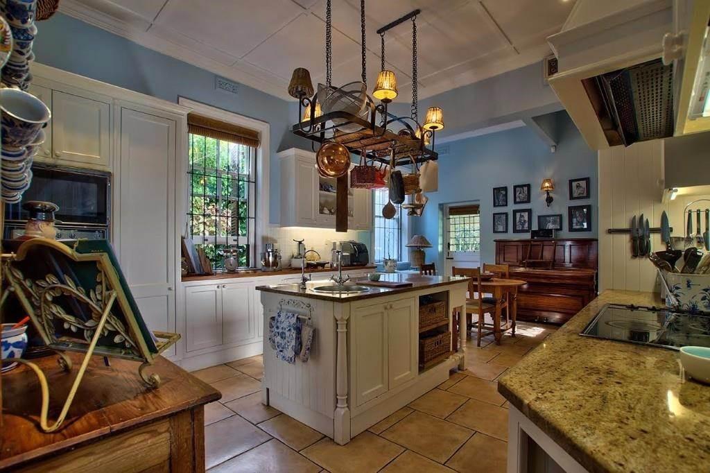 Oranjezicht property for sale. Ref No: 13541192. Picture no 2