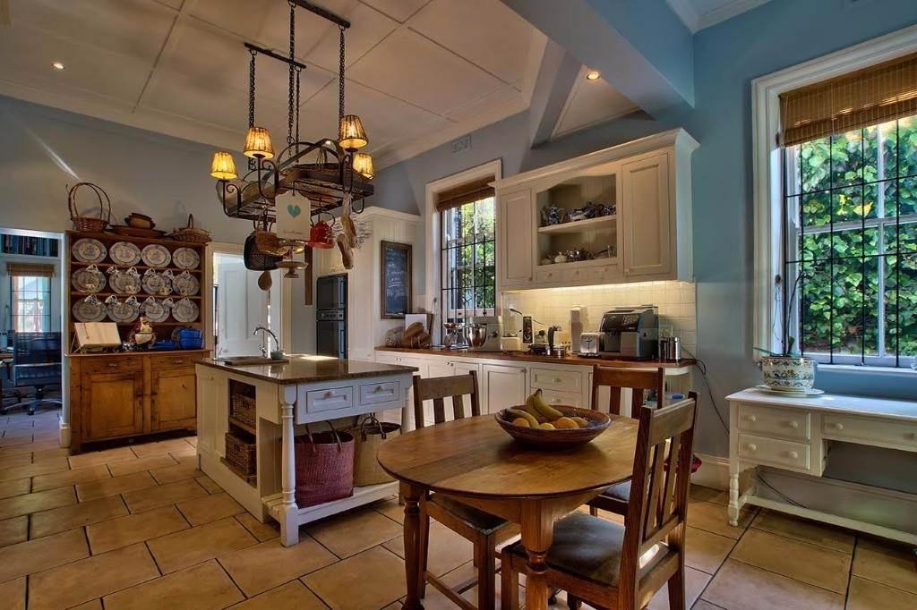 Oranjezicht property for sale. Ref No: 13541192. Picture no 7