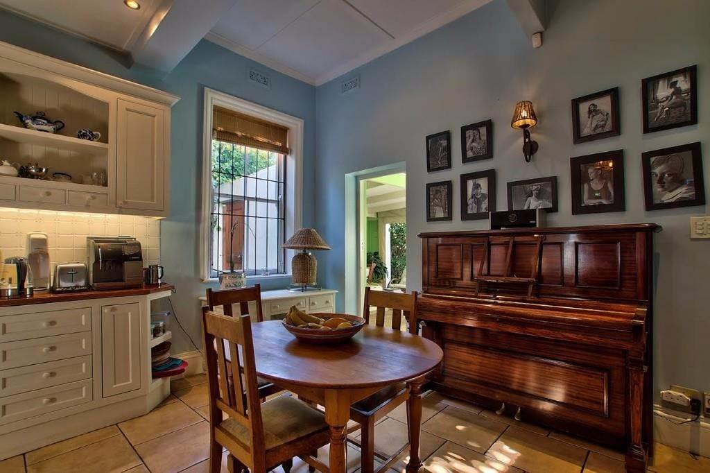 Oranjezicht property for sale. Ref No: 13541192. Picture no 6