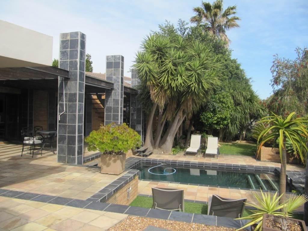 4 BedroomHouse Pending Sale In Plattekloof