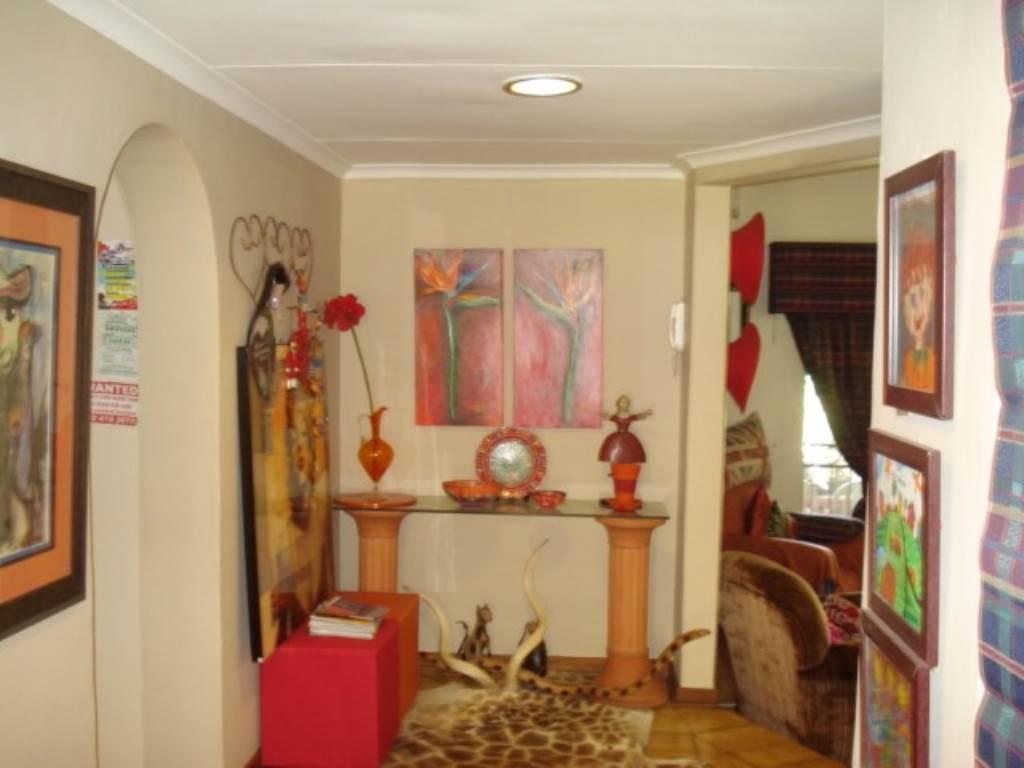 Erasmusrand property for sale. Ref No: 13534704. Picture no 9