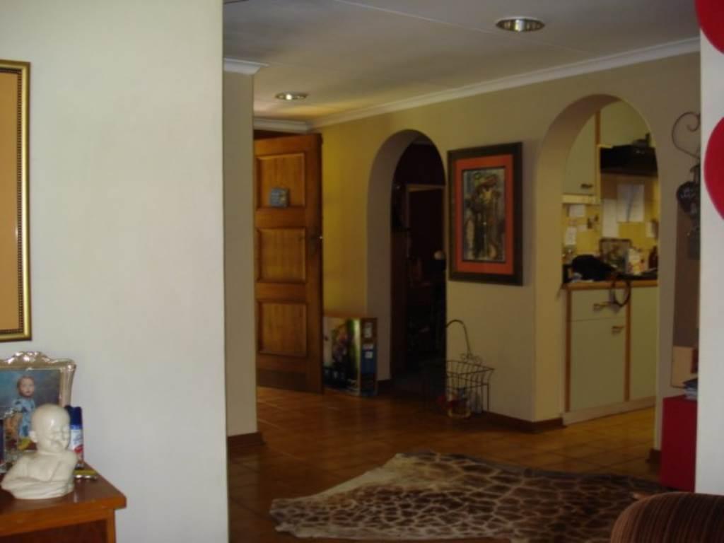 Erasmusrand property for sale. Ref No: 13534704. Picture no 33