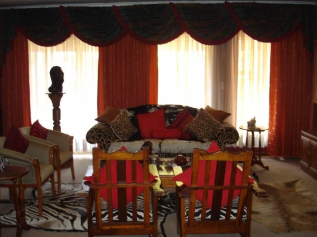 Erasmusrand property for sale. Ref No: 13534704. Picture no 11
