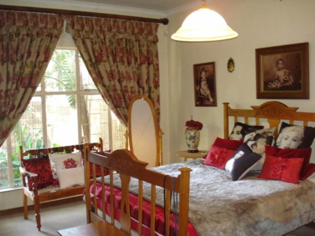 Erasmusrand property for sale. Ref No: 13534704. Picture no 21