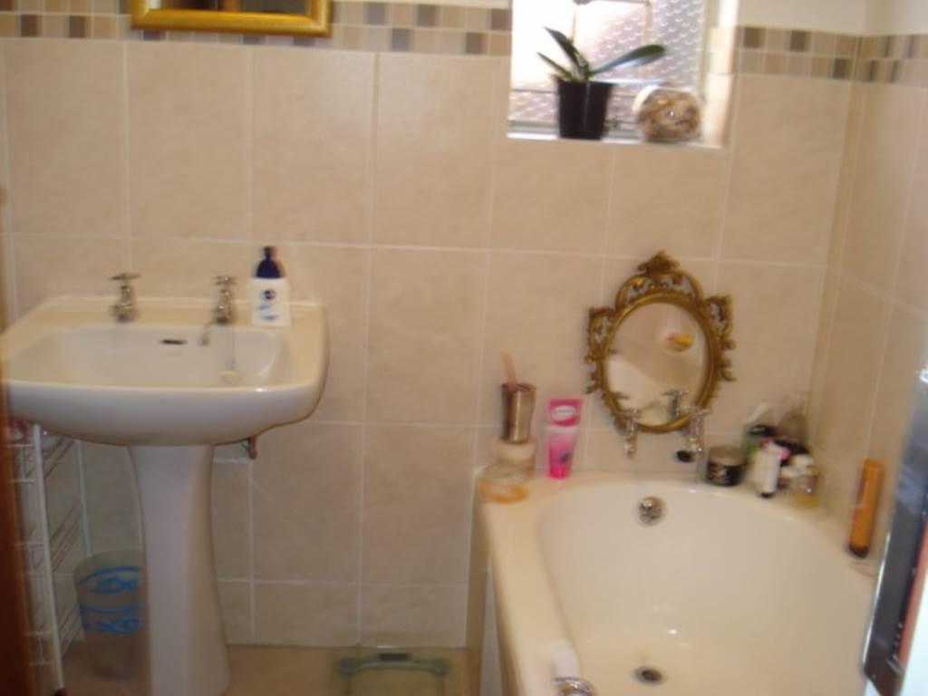 Erasmusrand property for sale. Ref No: 13534704. Picture no 19