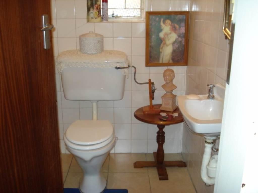 Erasmusrand property for sale. Ref No: 13534704. Picture no 18