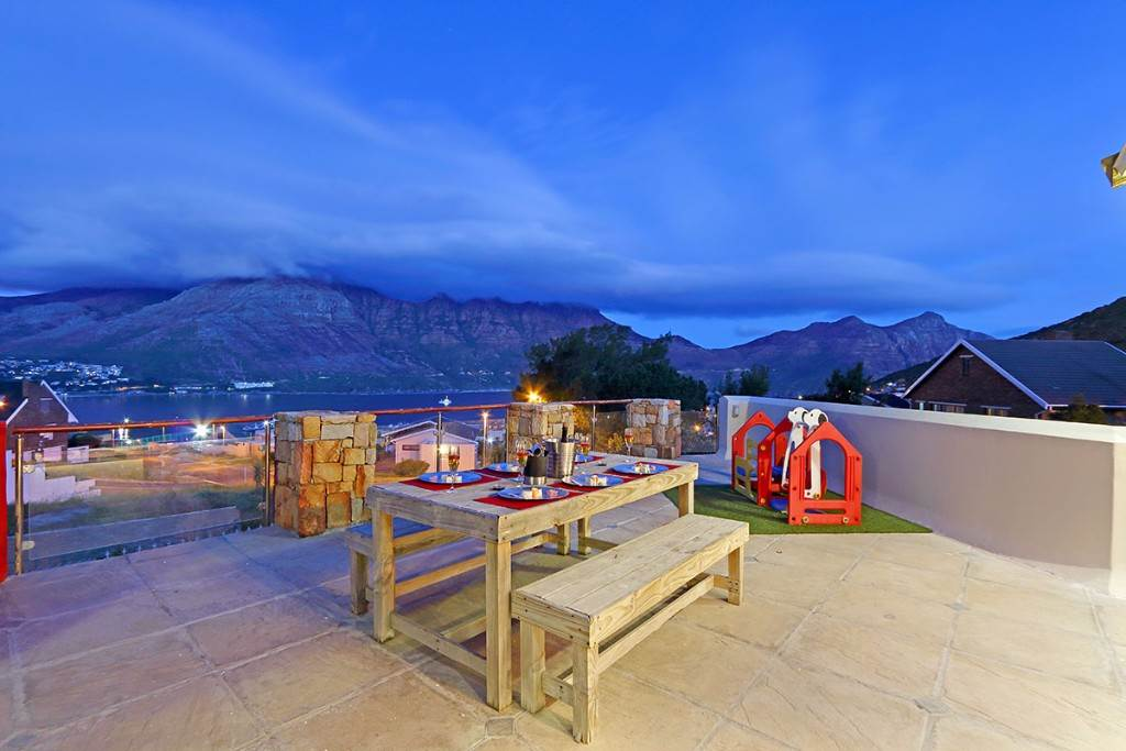 Property and Houses to rent in Hout Bay, House, 4 Bedrooms - ZAR ,  3,40*,M
