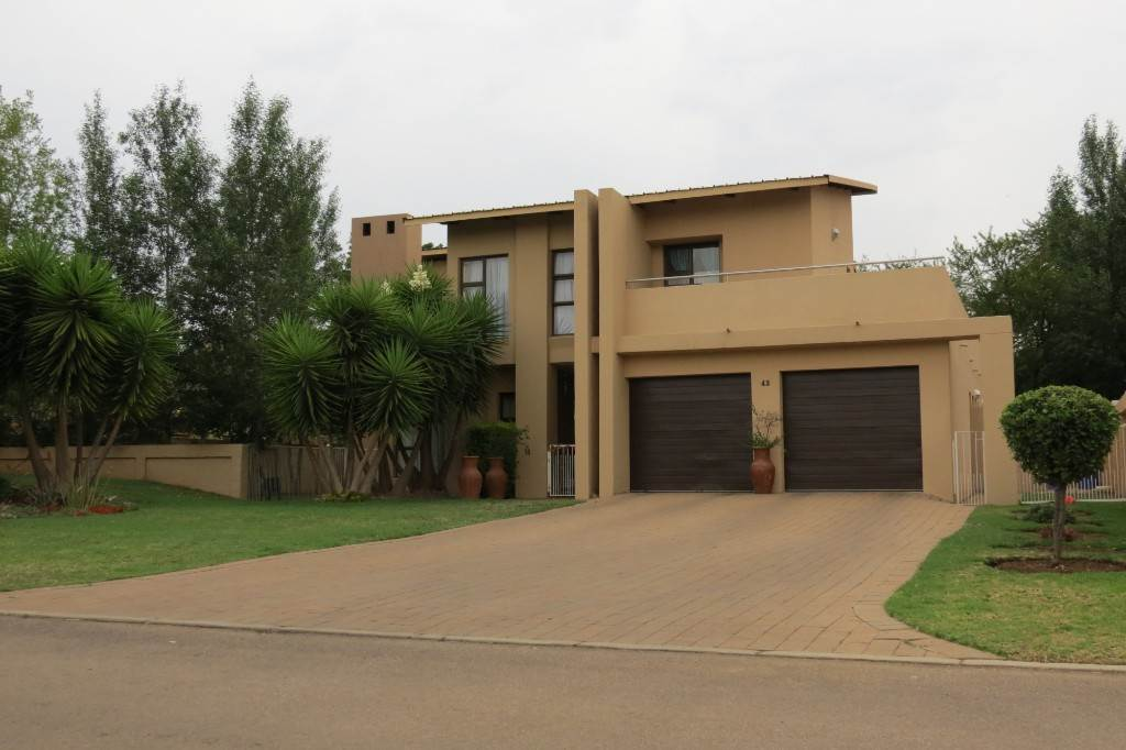Willow Acres Estate property for sale. Ref No: 13534151. Picture no 1