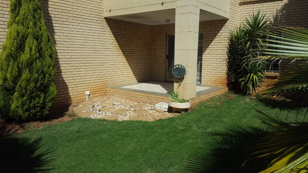 Pretoria, Moreleta Park Property    Houses To Rent Moreleta Park, MORELETA PARK, Townhouse 2 bedrooms property to rent Price:,  7,00*