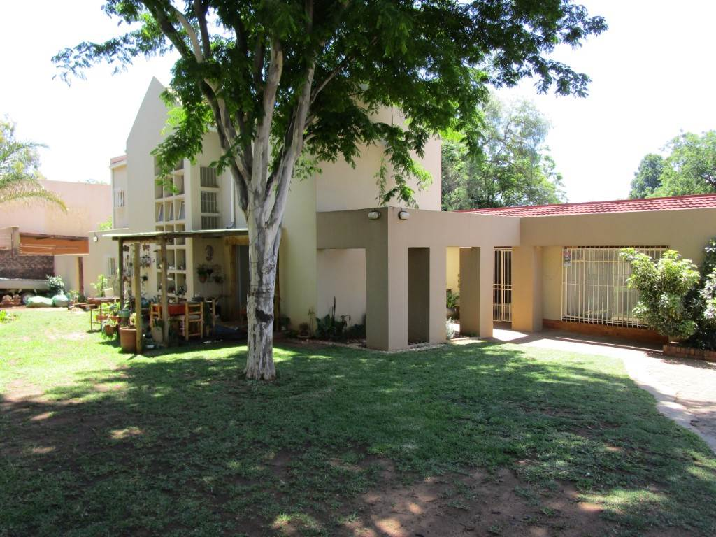 Property and Houses for sale in Meyerspark, House, 6 Bedrooms - ZAR 1,995,000