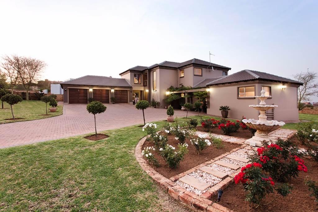 Pretoria, Pretoria East Property  | Houses For Sale Pretoria East, PRETORIA EAST, House 4 bedrooms property for sale Price:4,000,000
