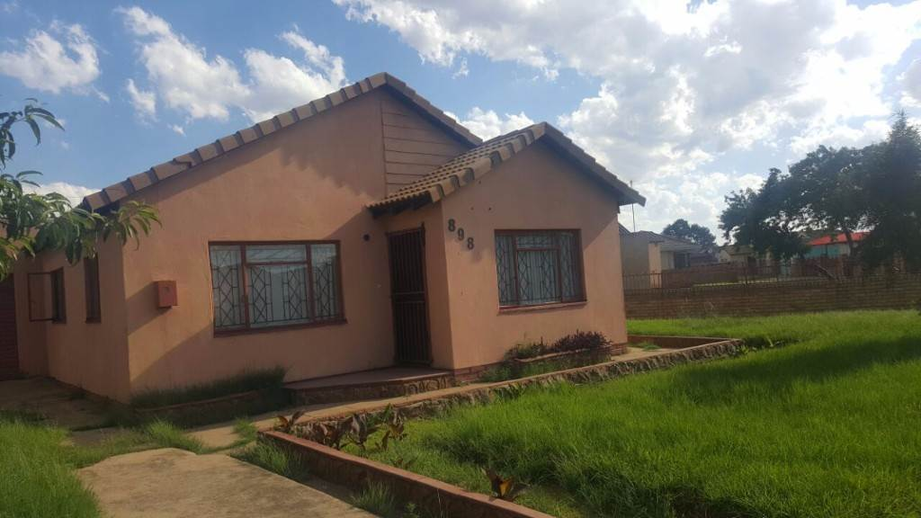 2 BedroomHouse Pending Sale In Phola