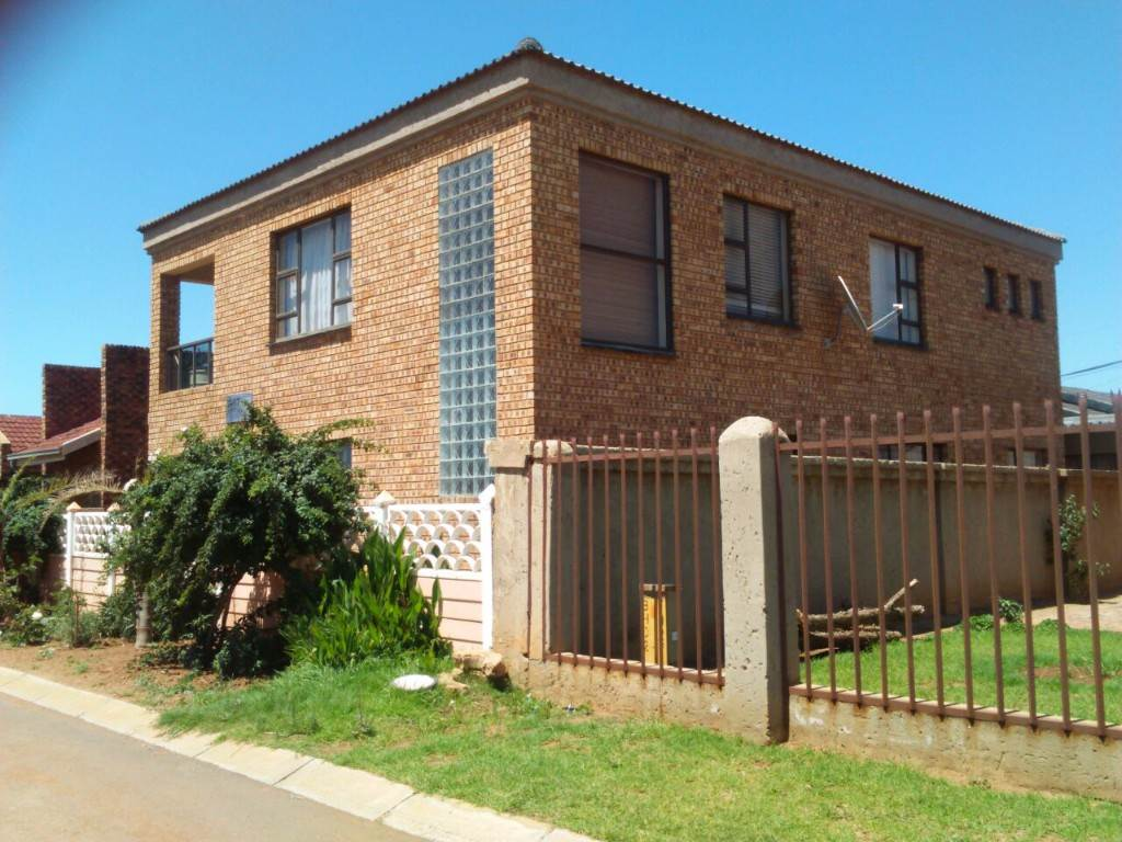 4 BedroomHouse For Sale In Evaton West