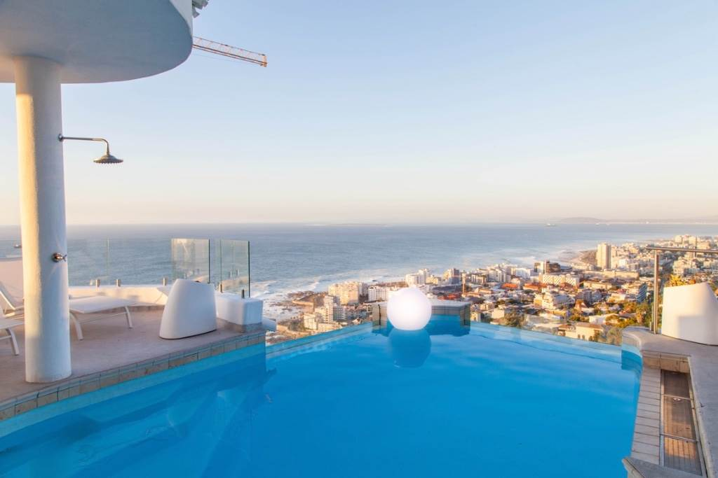 Bantry Bay property for sale. Ref No: 13475684. Picture no 5