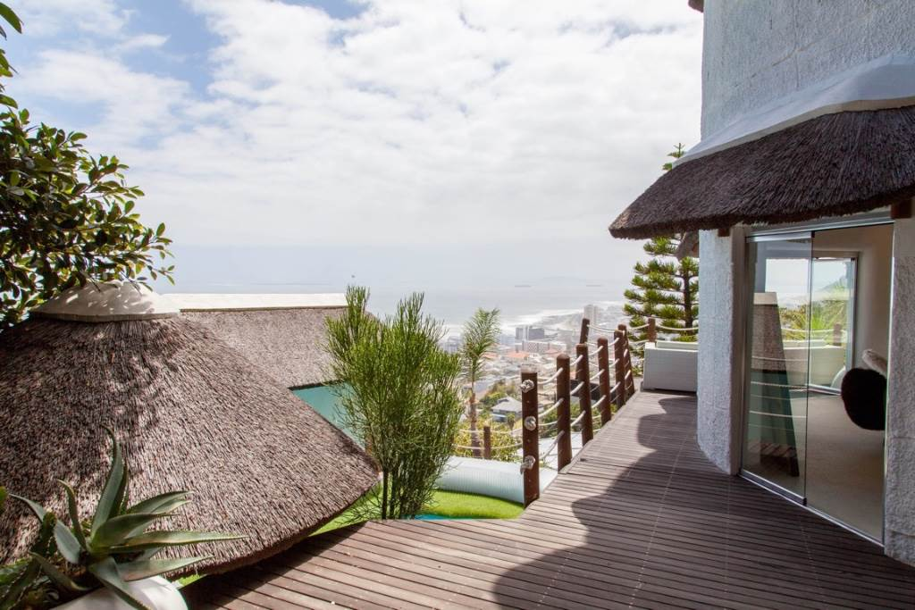 Bantry Bay property for sale. Ref No: 13475684. Picture no 26