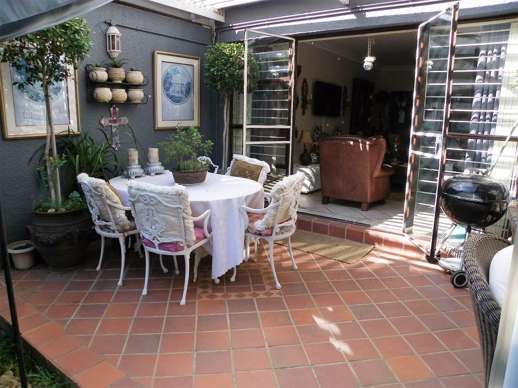Waterkloof Heights And Ext property for sale. Ref No: 13534763. Picture no 21