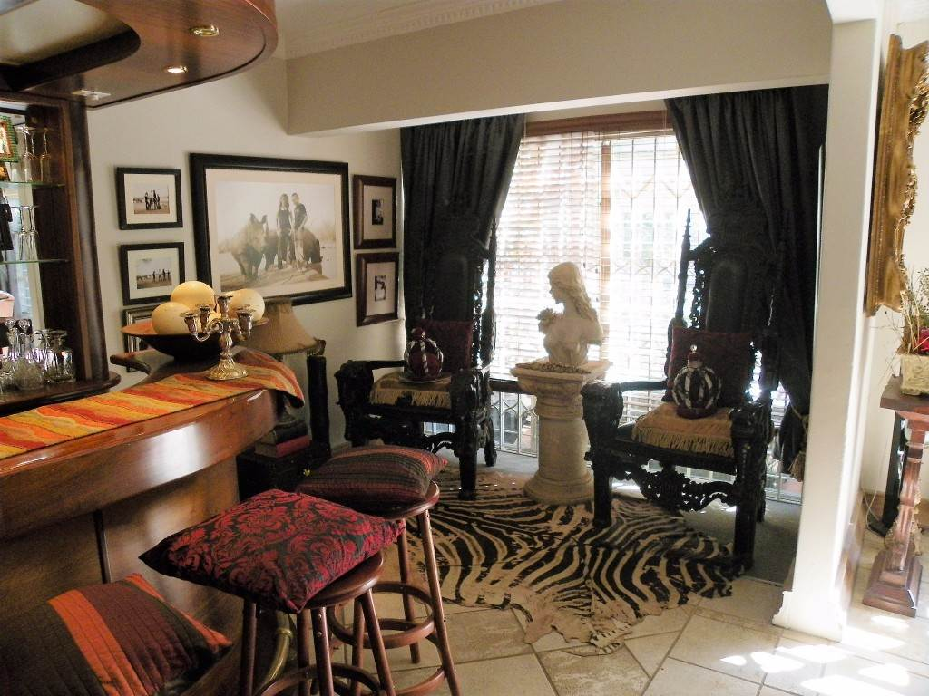 Waterkloof Heights And Ext property for sale. Ref No: 13534763. Picture no 5