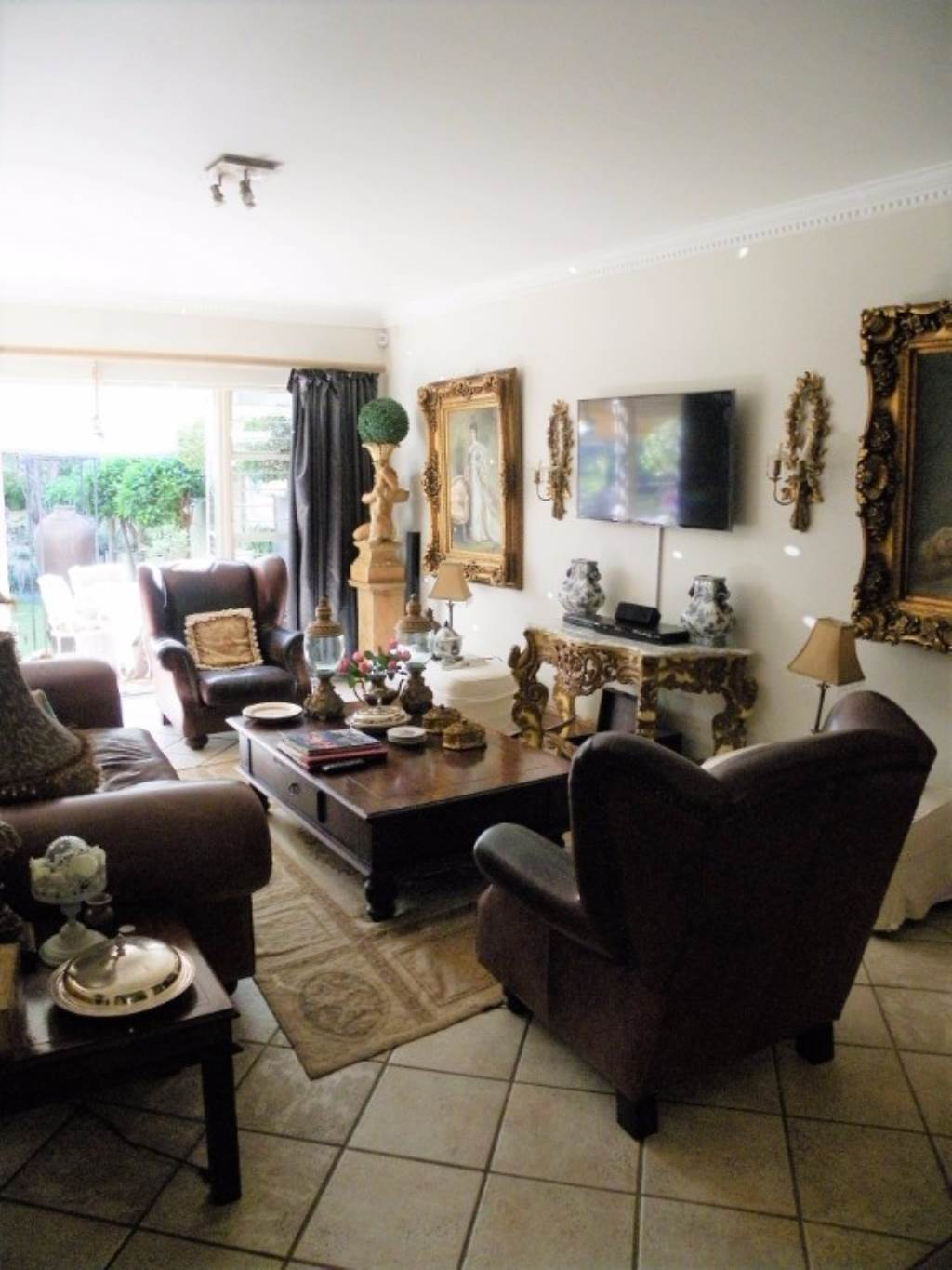 Waterkloof Heights And Ext property for sale. Ref No: 13534763. Picture no 2