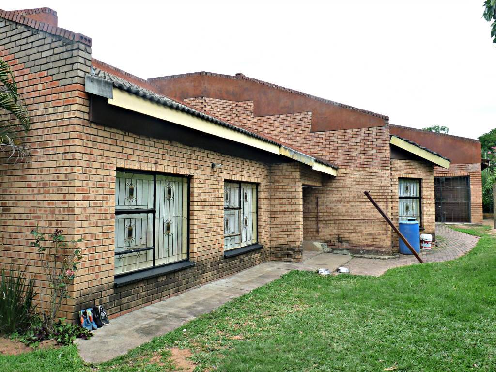 4 BedroomHouse For Sale In Hazyview