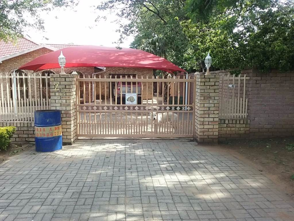 3 BedroomHouse For Sale In Phalaborwa