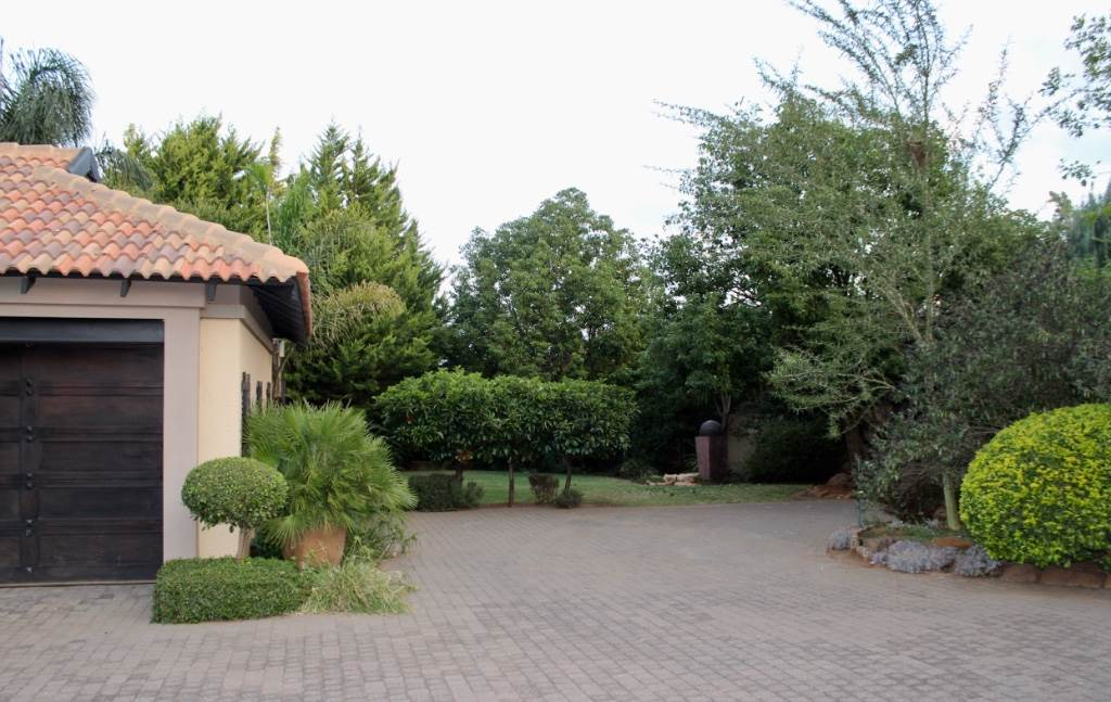 Woodland Hills property for sale. Ref No: 13473874. Picture no 38