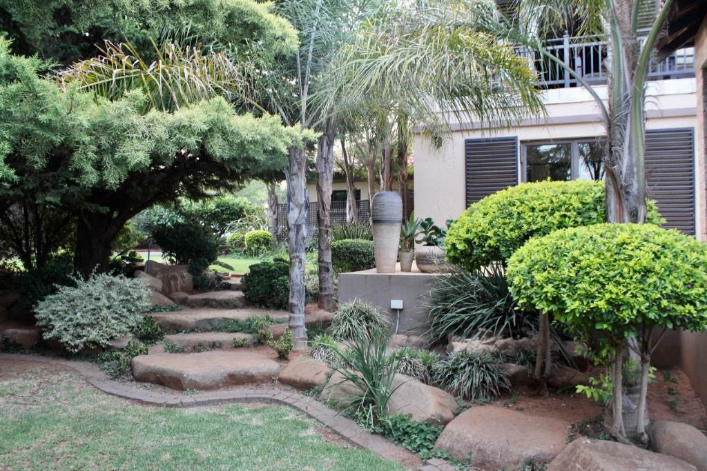 Woodland Hills property for sale. Ref No: 13473874. Picture no 34